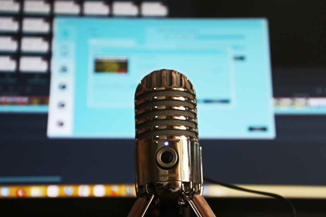 How To Make Money PODCASTING And Monetize PodcastFast